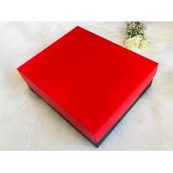 Karton Kutu Kırmızı Kapak 25x30x9