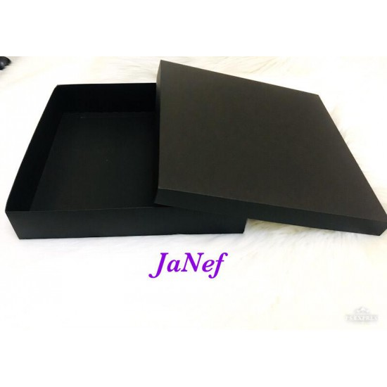 Karton Kutu Siyah 33x33x7